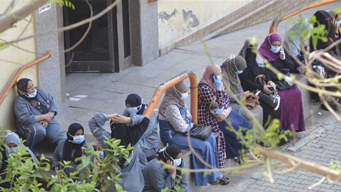 إضراب ممرضات «تأمين المنصورة» بعد رفض أخذ مسحات لهن بعد إصابة 5 أطباء بـ«كورونا»