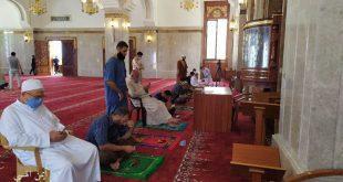 صور* * من الاستعدادات لأداء صلاة الجمعة داخل مساجد قطاع غزة