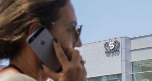 """خبير بالأمن السيبراني لـ""""عربي21″: لا يوجد هاتف آمن"""